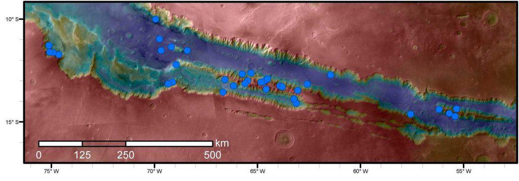 okolo-temnykh-polos-na-marse-vody-net-1