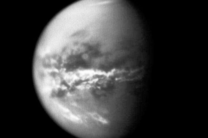 """Статья рассказывает об исследованиях системы Сатурна зондом """"Кассини"""". Вы узнаете о том, какие сейчас погодные условия на Титане"""