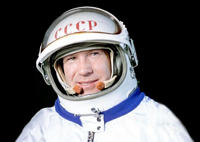 Алексей Леонов – 10 шагов на пути в космос