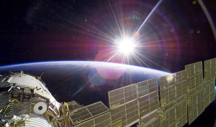 NASA выбрало перевозчиков научного груза