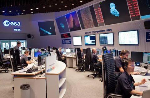 ESA: пещеры Луны должны быть исследованы роботами