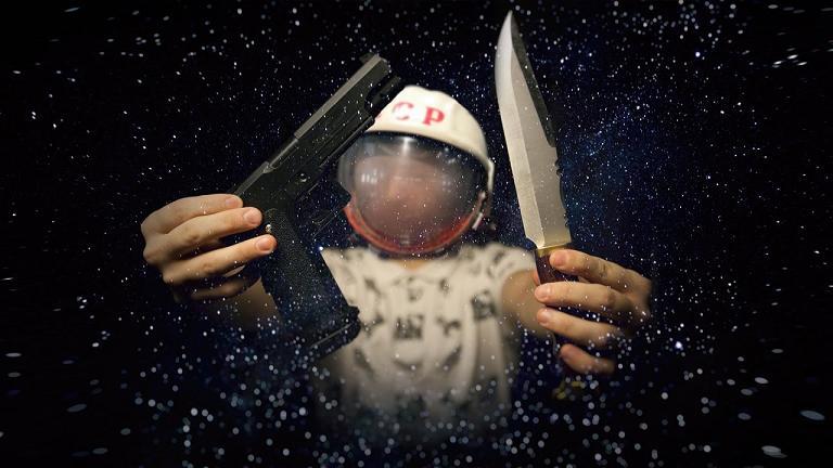 Вооружен и безопасен: каждый российский космонавт получит табельный пистолет