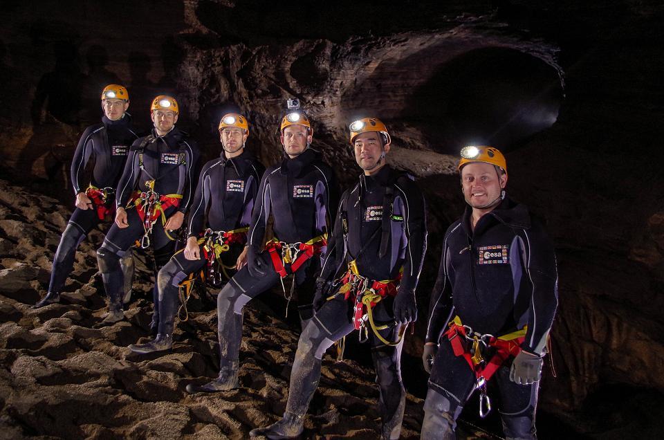 Перед высадкой на Луну и Марс астронавты изучат пещеры Земли