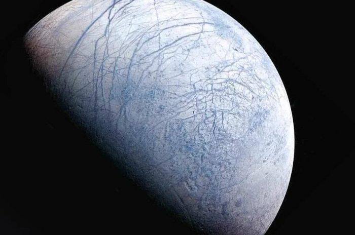 Спутник Юпитера Европа